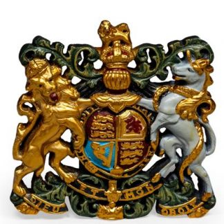 The sumptuous colours on this medium coat of arms make it stand out loud and proud! Hand finished, great gift, easy to hang. 37 x 36 x 4cm