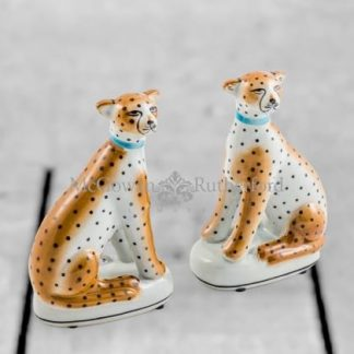 Meet Holly and Lucy, an exquisite pair of sitting leopards ornaments. Ceramic with a simple black and white design. Shiny glaze. 17 x 10 x 6cm