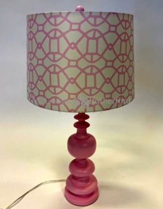Wonderful pink patterned column lamp- super style, finished with a white drum shade with a geometric pattern. 68 x 40 x 40cm