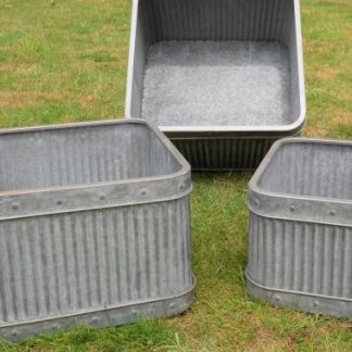 This superb set of 3 square galvanised tubs will add contemporary style to your garden. Galvanised steel with ribbed sides and stud detail.