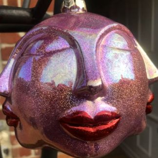 Wowsers, this larger than life pink face bauble is Frida Kahlo inspired and truly loud and proud! Chic and playful this festive season. 8cm