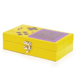Keep your gaming accessories safe and sound in this bright yellow retro games console box. Metal clasp, vinyl covered. 18 x 11 x 5cm. Great gift!