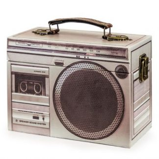 Keep your most loved treasures safe and sound within this super cool grey retro stereo box. Wood board, vinyl covered with metal clasps. 14 x 20 x 9cm