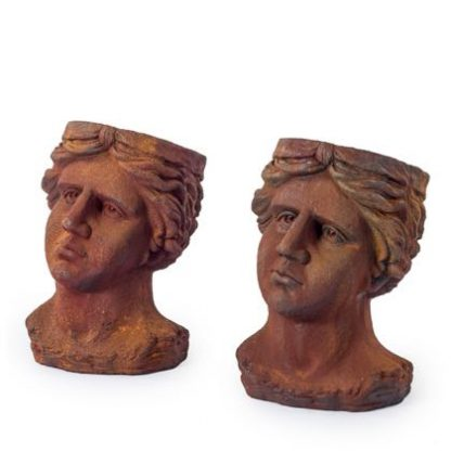 This pair of rusty head planters are made of strong fibrous resin. Looks like rusty old iron! Great value, quirky look, perfect outside. 47 x 32 x 34cm