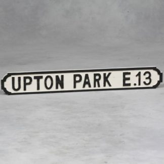 Stylish wooden Upton Park road sign. Perfect for both indoor and outdoor use. Dimensions are 15 x 122 x 2.5 centimetres