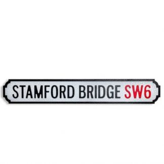 This Stamford Bridge road sign is wooden, painted and is a perfect gift for the Chelsea football fan in your life! 13.5 x 2 x 80cm