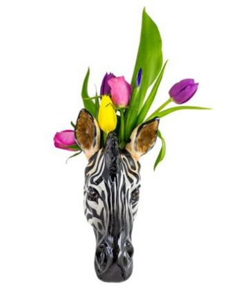 Meet Zag our small zebra vase. He is meant to be hung on the wall, and works brilliantly with or without flowers! fabulous price, super gift! 23 x 12 x 15cm