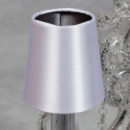 This small white silver candle shade has a smooth shiny white outer with a darker silver silk on the inside. Measures 10 x 10 x 10cm and is great value for money.