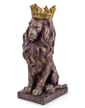 A beautiful bronze lion ornament is presented in a rustic bronze finish with a contrasting gold crown. Made from tough hand finished resin. 57 x 29 x 29cm