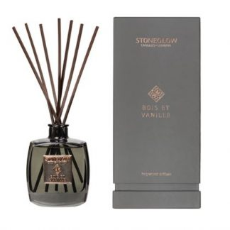 This sumptuous smelly, Whisky Et Chene diffuser is divine. Luxurious, exclusive and value for money. 200ml lasts 16 weeks. Made in the UK!